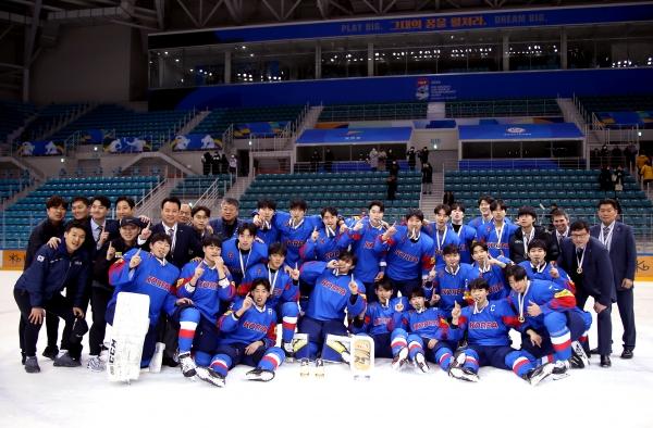 2021 남자 U20-여자 U 18 세계선수권 불발...IIHF, 코로나 바이러스 우려 대회 취소..